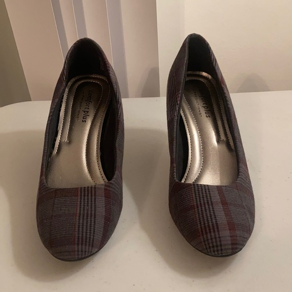 Comfort Plus by Predictions Sz 6.5 high heels